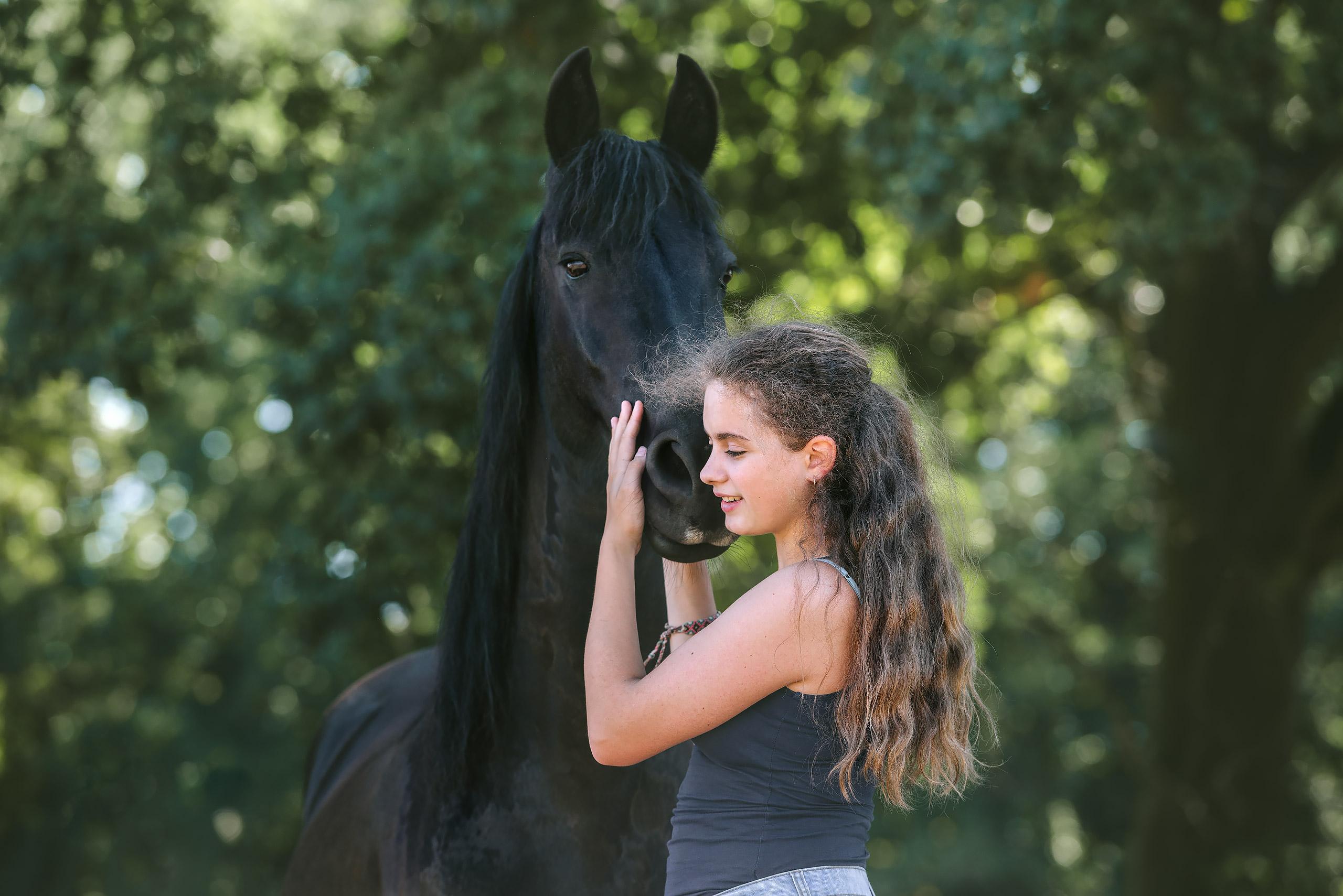 Familienfotografie-Braunschweig-Pferd-Maedchen
