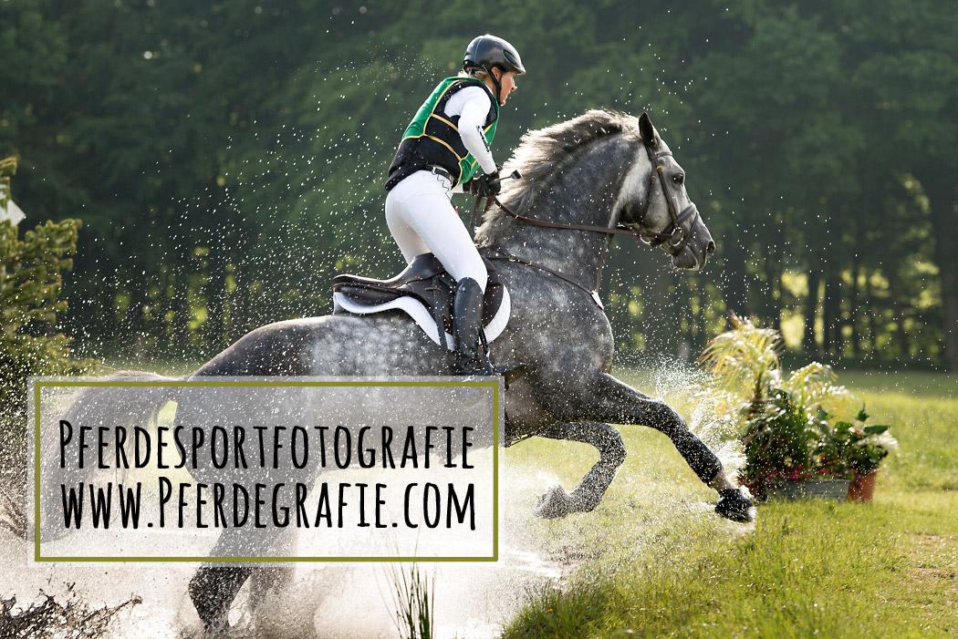Pferdesportfotografie-Vielseitigkeit-Wasser-Klimke